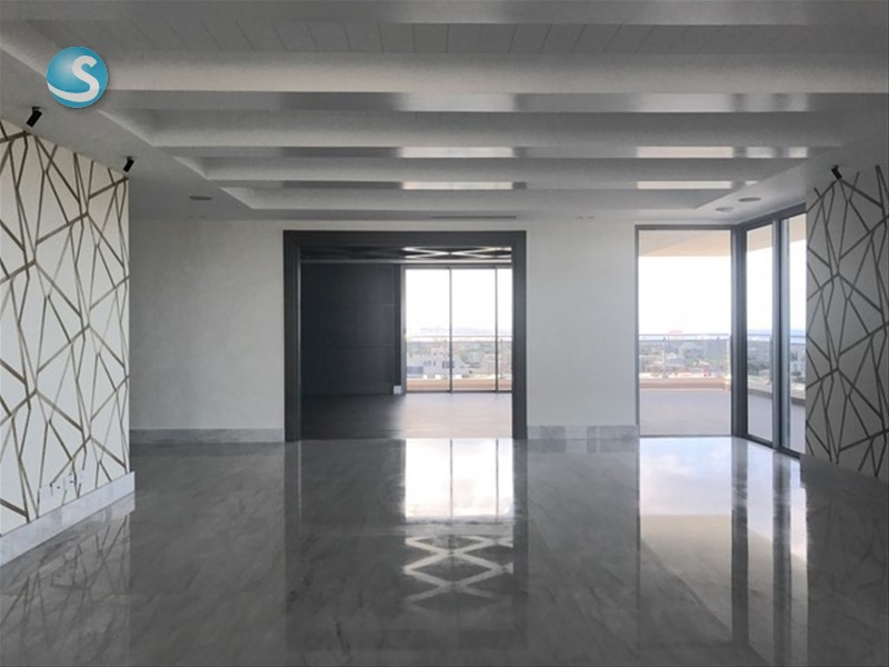 Apartamento en venta la esperilla 1050610 for Cocinas italianas equipadas